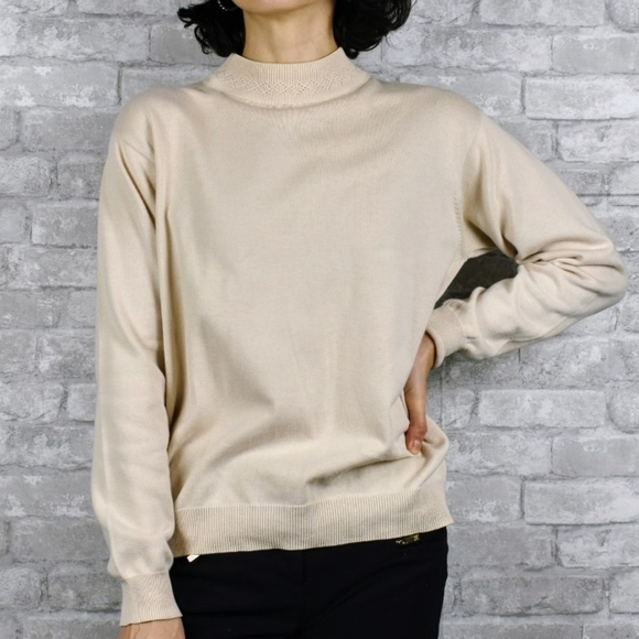 Vintage medium Ivory cowl neck sweater pullover